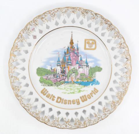 Walt Disney World Medium Plate - ID: octdisneyana18173 Disneyana