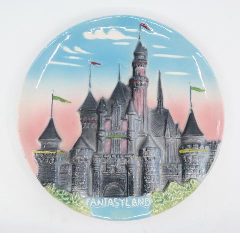 Disneyland Fantasyland 3-D Plate - ID: octdisneyana18176 Disneyana