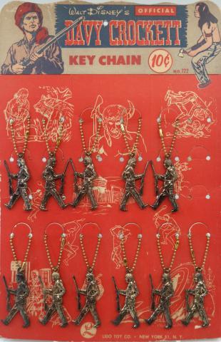 Davy Crockett Keychains on Display - ID: octdisneyana19337 Disneyana