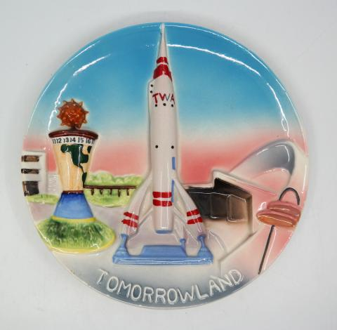 Disneyland Tomorrowland 3-D Ceramic Plate - ID: aprdisneyland20173 Disneyana
