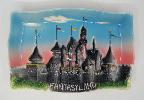 Disneyland Fantasyland 3-D Ceramic Ashtray - ID: aprdisneyland20174 Disneyana