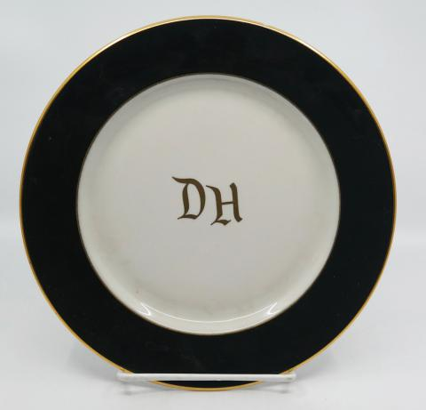 Disneyland Hotel Dinner Plate - ID: aprdisneyland20319 Disneyana