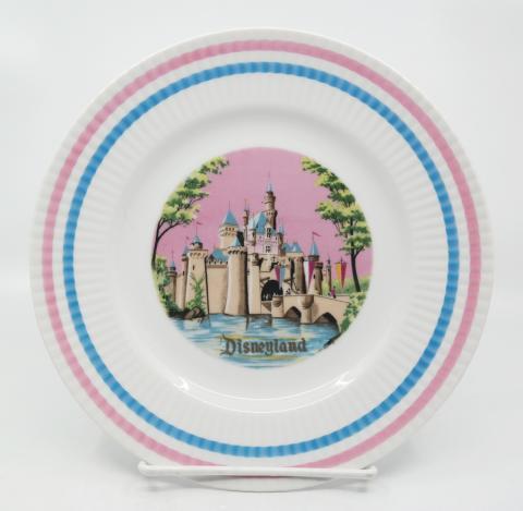 Disneyland Souvenir Plate - ID: aprdisneyland20388 Disneyana
