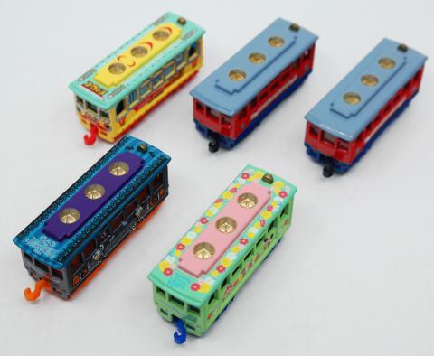 Tokyo Disneyland Electric Railway Miniature Tram Replica Collection - ID: augdisneyana20107 Disneyana