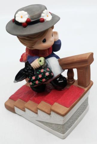 Precious Moments Mary Poppins Porcelain Figurine - ID: augdisneyana20117 Disneyana