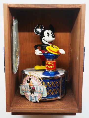 1980s Mickey Mouse Mechanical Coin Bank - ID: augdisneyana20206 Disneyana
