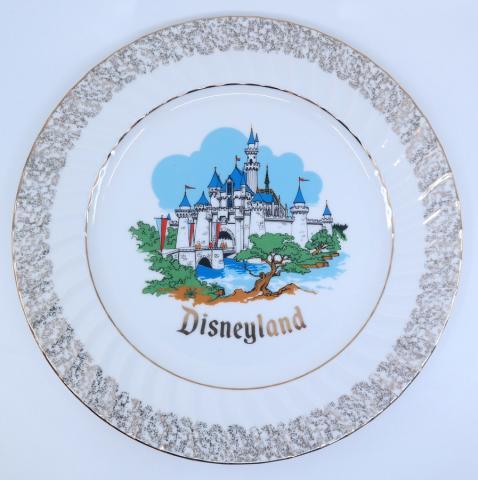 Disneyland Sleeping Beauty Castle Souvenir Plate - ID: jundisneyana21313 Disneyana