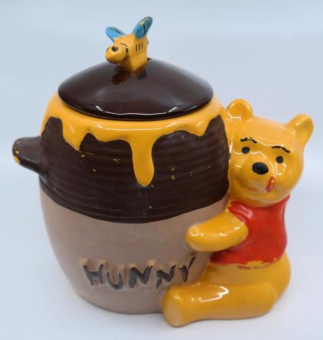 Winnie the Pooh & Hunny Pot Cookie Jar - ID: jundisneyana21327 Disneyana