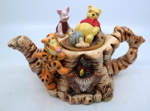Winnie the Pooh Limited Edition Cardew Teapot - ID: mardisneyana21313 Disneyana