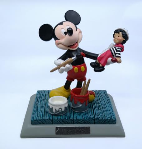 It's a Small World Disneyana 2000 Mickey Statuette - ID: mardisneyana21333 Disneyana