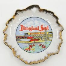 Disneyland Hotel Ceramic Plate - ID: novdisneyland18420 Walt Disney
