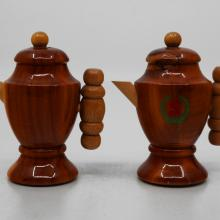 Disneyland Souvenir Salt and Pepper Shakers - ID: aprdisneyland20244 Disneyana