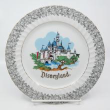Disneyland/Disney World Souvenir Plate - ID: aprdisneyland20387 Disneyana