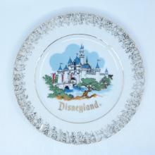 Disneyland/Disney World Souvenir Plate - ID: aprdisneyland20390 Disneyana
