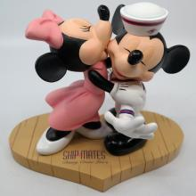 Mickey and Minnie Disney Cruise Line Shipmates Figurine - ID: jundisneyana20242 Disneyana
