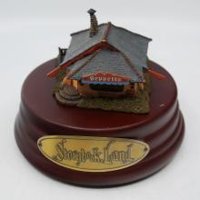 Storybook Land Geppetto's Workshop Miniature - ID: jundisneyana20372 Disneyana