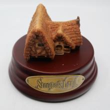 Storybook Land Seven Dwarf's Cottage Miniature - ID: jundisneyana20373 Disneyana