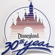 Disneyland 30th Year Lamppost Sign - ID: septdisneyland20011 Disneyana