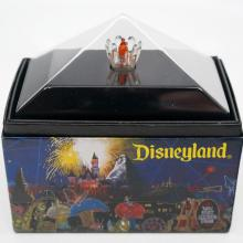 Main Street Electrical Orange Parade Bulb Display - ID: augdisneyland20086 Disneyana
