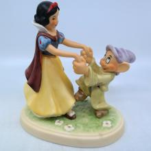 Snow White and Dopey Goebel Figurine - ID: mardisneyana21004 Disneyana