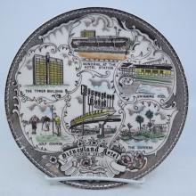 Disneyland Hotel Souvenir Plate - ID: mardisneyana21300 Disneyana