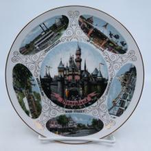 Disneyland Souvenir Lands Plate - ID: mardisneyana21304 Disneyana