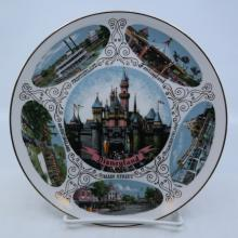 Disneyland Souvenir Lands Plate - ID: mardisneyana21305 Disneyana