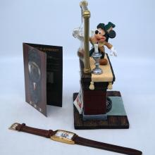 Mickey's Mirror of Clues Mystery Figurine & Watch - ID: mardisneyana21315 Disneyana