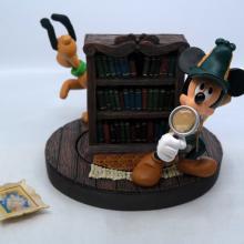 Official Disneyana Mystery Rotating Bookshelf Figurine - ID: mardisneyana21317 Disneyana