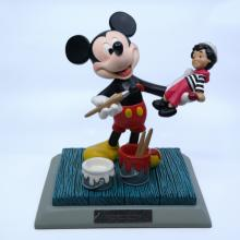 It's a Small World Disneyana 2000 Mickey Statuette - ID: mardisneyana21333 Disneyana